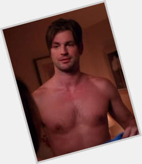 "<a href=""/hot-men/gale-harold/is-he-bi-married-single-dating-anyone-relationship"">Gale Harold</a> Average body,  dark brown hair & hairstyles"