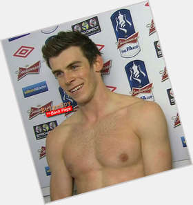 Gareth Bale dark brown hair & hairstyles Athletic body,