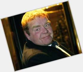 "<a href=""/hot-men/geoffrey-hughes/is-he-still-alive-married-actor-doing-where"">Geoffrey Hughes</a> Large body,  light brown hair & hairstyles"