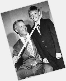 "<a href=""/hot-men/gordie-howe/is-he-canadian-still-living-sick-wife-alive"">Gordie Howe</a> Athletic body,  dark brown hair & hairstyles"