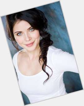 "<a href=""/hot-women/grace-phipps/is-she-dating-anyone-ross-lynch-garrett-clayton"">Grace Phipps</a> Slim body,  dark brown hair & hairstyles"