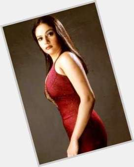 "<a href=""/hot-women/gracy-singh/is-she-married-where-now-husband-what-doing"">Gracy Singh</a> Slim body,  black hair & hairstyles"