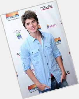 Gregg Sulkin dark brown hair & hairstyles Athletic body,