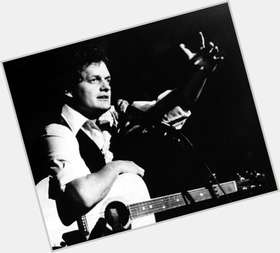 "<a href=""/hot-men/harry-chapin/is-he-alive-death-died-cat-stevens-or"">Harry Chapin</a>"