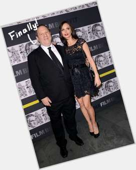 "<a href=""/hot-men/harvey-weinstein/is-he-jerk-married-wife-pregnant-mean-pig"">Harvey Weinstein</a> Large body,  dark brown hair & hairstyles"