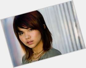 "<a href=""/hot-women/hayley-kiyoko/is-she-straight-left-handed-married-japanese-filipino"">Hayley Kiyoko</a> Slim body,  dark brown hair & hairstyles"