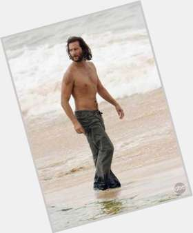 "<a href=""/hot-men/henry-ian-cusick/is-he-scottish-christian-coming-back-scandal-related"">Henry Ian Cusick</a> Average body,  dark brown hair & hairstyles"