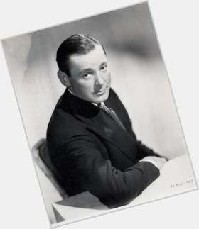 "<a href=""/hot-men/herbert-marshall/is-he-mcluhan"">Herbert Marshall</a> Average body,  dark brown hair & hairstyles"