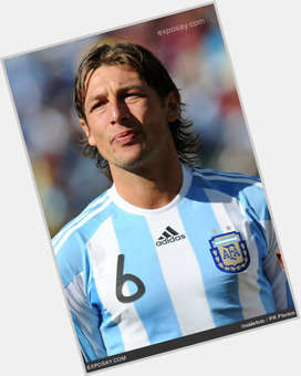 Gabriel Heinze light brown hair & hairstyles Athletic body,