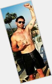 Ian Bohen light brown hair & hairstyles Athletic body,