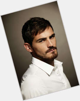 "<a href=""/hot-men/iker-casillas/is-he-married-injured-leaving-real-madrid-going"">Iker Casillas</a> Athletic body,  dark brown hair & hairstyles"