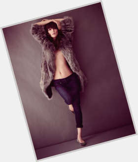 "<a href=""/hot-women/irina-lazareanu/is-she-dating-tall-ugly"">Irina Lazareanu</a> Slim body,  dark brown hair & hairstyles"