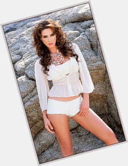 "<a href=""/hot-women/jacqueline-bracamontes/is-she-pregnant-married-dating-william-levy-tall"">Jacqueline Bracamontes</a> Slim body,  dark brown hair & hairstyles"