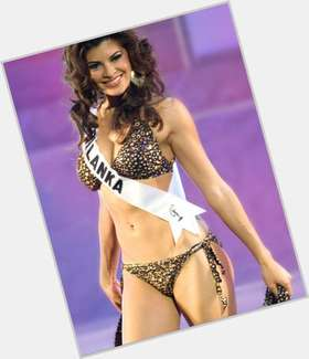 "<a href=""/hot-women/jacqueline-fernandez/is-she-indian-christian-pregnant-dating-sajid-khan"">Jacqueline Fernandez</a> Slim body,  dark brown hair & hairstyles"