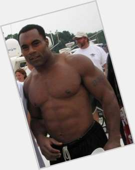 "<a href=""/hot-men/jamal-lewis/is-he-broke-married-hall-famer-still-playing"">Jamal Lewis</a> Athletic body,  dark brown hair & hairstyles"