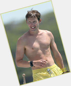 "<a href=""/hot-men/james-blunt/is-he-married-relationship-stoner-christian-passenger-straight"">James Blunt</a> Slim body,  light brown hair & hairstyles"