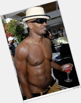 "<a href=""/hot-men/jamie-foxx/is-he-dating-katie-holmes-married-racist-christian"">Jamie Foxx</a> Bodybuilder body,  black hair & hairstyles"