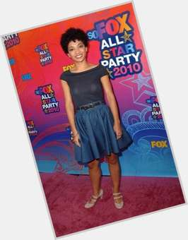 "<a href=""/hot-women/jasika-nicole/is-she-married-black-leaving-fringe-pregnant-mixed"">Jasika Nicole</a> Slim body,  dark brown hair & hairstyles"