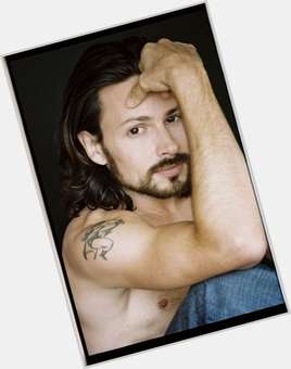 "<a href=""/hot-men/jason-marsden/is-he-related-james-skyrim-married-tall-much"">Jason Marsden</a> Average body,  dark brown hair & hairstyles"