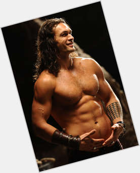 "<a href=""/hot-men/jason-momoa/is-he-married-samoan-returning-game-thrones-dating"">Jason Momoa</a> Bodybuilder body,  dark brown hair & hairstyles"
