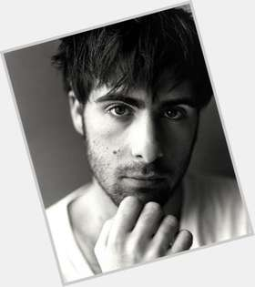 Jason Schwartzman dark brown hair & hairstyles Athletic body,