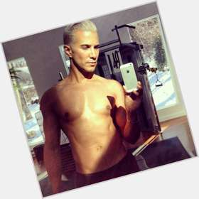 "<a href=""/hot-men/jay-manuel/is-he-dating-married-patricia-kent-straight-woman"">Jay Manuel</a> Average body,  grey hair & hairstyles"