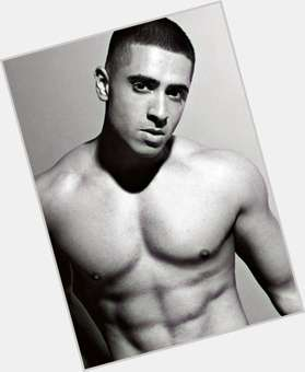 "<a href=""/hot-men/jay-sean/is-he-married-indian-black-british-arabic-illuminati"">Jay Sean</a> Athletic body,  black hair & hairstyles"