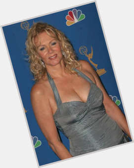 "<a href=""/hot-women/jean-smart/is-she-alive-sick-married-still-casual-related"">Jean Smart</a> Average body,  blonde hair & hairstyles"