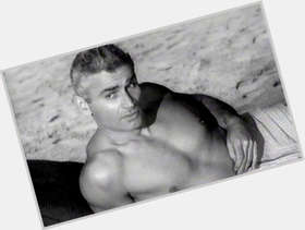 "<a href=""/hot-men/jeff-chandler/is-he-still-alive-where-buried-what-nationality"">Jeff Chandler</a> Athletic body,  grey hair & hairstyles"