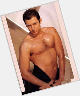 "<a href=""/hot-men/jeff-goldblum/is-he-married-alive-indian-smart-hot-black"">Jeff Goldblum</a> Slim body,  dark brown hair & hairstyles"