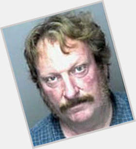 "<a href=""/hot-men/jeffrey-jones/is-he-married-sex-offender-jail-harry-potter"">Jeffrey Jones</a> Average body,  light brown hair & hairstyles"