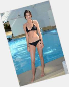 "<a href=""/hot-women/kendall-jenner/is-she-virgin-anorexic-nice-dating-jaden-smith"">Kendall Jenner</a> Slim body,  dark brown hair & hairstyles"