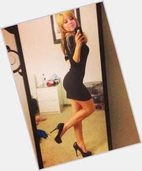"<a href=""/hot-women/jennette-mccurdy/is-she-dating-andre-drummond-black-guy-anyone"">Jennette Mccurdy</a> Slim body,  blonde hair & hairstyles"