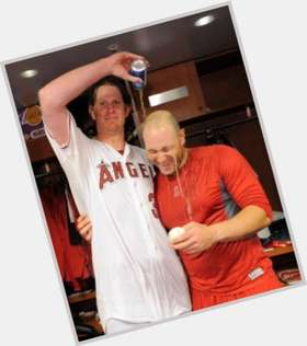 "<a href=""/hot-men/jered-weaver/is-he-married-hurt-hall-famer-best-pitcher"">Jered Weaver</a> Average body,  blonde hair & hairstyles"