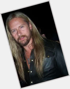 "<a href=""/hot-men/jerry-cantrell/is-he-married-jerk-atheist-christian-good-guitarist"">Jerry Cantrell</a> Slim body,  light brown hair & hairstyles"