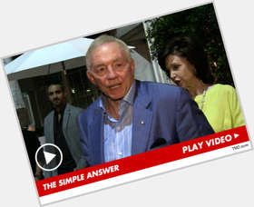 "<a href=""/hot-men/jerry-jones/is-he-republican-christian-catholic-alcoholic-bad-owner"">Jerry Jones</a> Slim body,  grey hair & hairstyles"