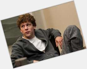 "<a href=""/hot-men/jesse-eisenberg/is-he-jerk-nice-attractive-single-autistic-magician"">Jesse Eisenberg</a> Athletic body,  dark brown hair & hairstyles"