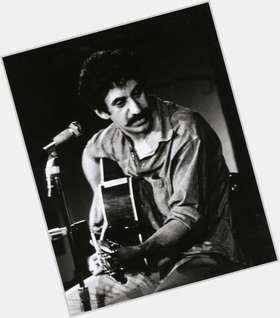 "<a href=""/hot-men/jim-croce/is-he-black-or-white-italian-ethnicity-mexican"">Jim Croce</a> Average body,  black hair & hairstyles"