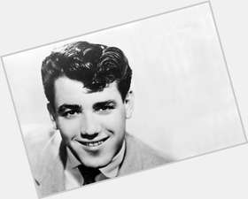 "<a href=""/hot-men/jimmie-rodgers/is-he-still-alive-public-domain-why-father"">Jimmie Rodgers</a> Slim body,  dark brown hair & hairstyles"