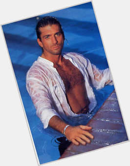 "<a href=""/hot-men/joe-lando/is-he-married-christian-related-michael-landon-michel"">Joe Lando</a> Athletic body,  light brown hair & hairstyles"
