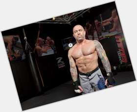"<a href=""/hot-men/joe-rogan/is-he-married-questions-everything-cancelled-funny-fighter"">Joe Rogan</a> Athletic body,  dark brown hair & hairstyles"