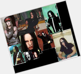 "<a href=""/hot-men/joey-jordison/is-he-fat-married-good-drummer-christian-fastest"">Joey Jordison</a> Average body,  dark brown hair & hairstyles"