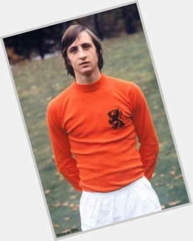 "<a href=""/hot-men/johan-cruyff/is-he-left-footed-penalty-legal-married-best"">Johan Cruyff</a> Athletic body,  light brown hair & hairstyles"