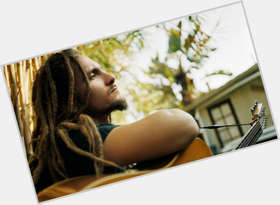 "<a href=""/hot-men/john-butler/is-he-christian-australian-vegetarian-best-guitarist-world"">John Butler</a> Average body,  light brown hair & hairstyles"