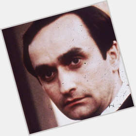 "<a href=""/hot-men/john-cazale/is-he-alive-italian-where-buried-married"">John Cazale</a> Slim body,  black hair & hairstyles"