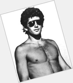 "<a href=""/hot-men/john-kennedy-jr/is-he-still-alive-buried-arlington-where-f"">John Kennedy Jr</a> Athletic body,  dark brown hair & hairstyles"