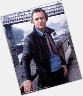 "<a href=""/hot-men/john-thaw/is-he-still-alive-amputee-where-buried-thaws"">John Thaw</a> Average body,  grey hair & hairstyles"