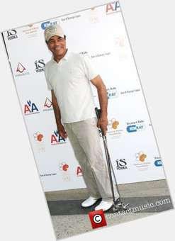 "<a href=""/hot-men/johnny-mathis/is-he-married-alive-still-black-living-african"">Johnny Mathis</a> Average body,  black hair & hairstyles"