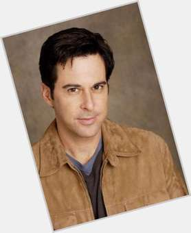 "<a href=""/hot-men/jonathan-silverman/is-he-and-sarah-related-married-what-doing"">Jonathan Silverman</a> Average body,  black hair & hairstyles"