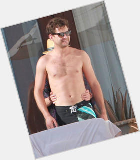 Joshua Jackson light brown hair & hairstyles Athletic body,